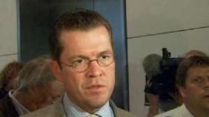 Guttenberg nennt Fiat-Angebot seriös
