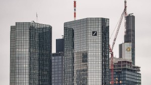 Was bringt eine Großbankenehe?
