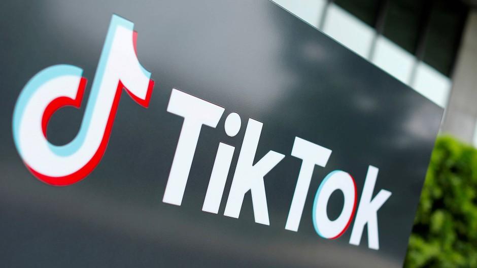"""Ende Mai hat die EU-Kommission eine Überprüfung der Geschäftspraktiken von Tiktok angekündigt. Im Fokus: """"aggressive Werbetechniken, die auf Kinder abzielen""""."""
