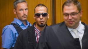 Bundesanwalt fordert elfeinhalb Jahre für IS-Extremisten