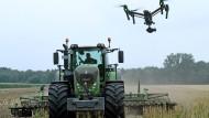 Mit der Drohne auf dem Feld: Was für manche Bauern bereits Alltag ist, ist für andere noch Zukunftsmusik