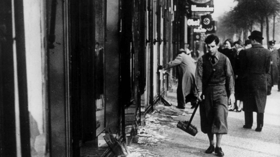 Antisemitische Gewalt: Zerstörte jüdische Ladenfront 1938.