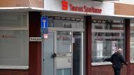 Bad Soden: Die Taunus-Sparkasse an der Hauptstraße wird demnächst schließen.