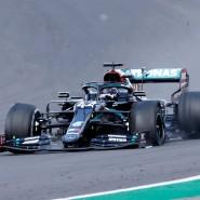 Kaum zu glauben: Hamilton gewinnt das Rennen mit einem geplatzten Reifen.
