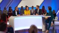 TV-Talk mit Sandra Maischberger (r.). Zu Gast waren unter anderem Jan Fleischhauer (l.), Anja Reschke und Florian Schroeder.