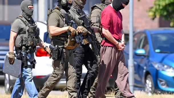 Mehr Geld für den Kampf gegen Extremisten in Hessen