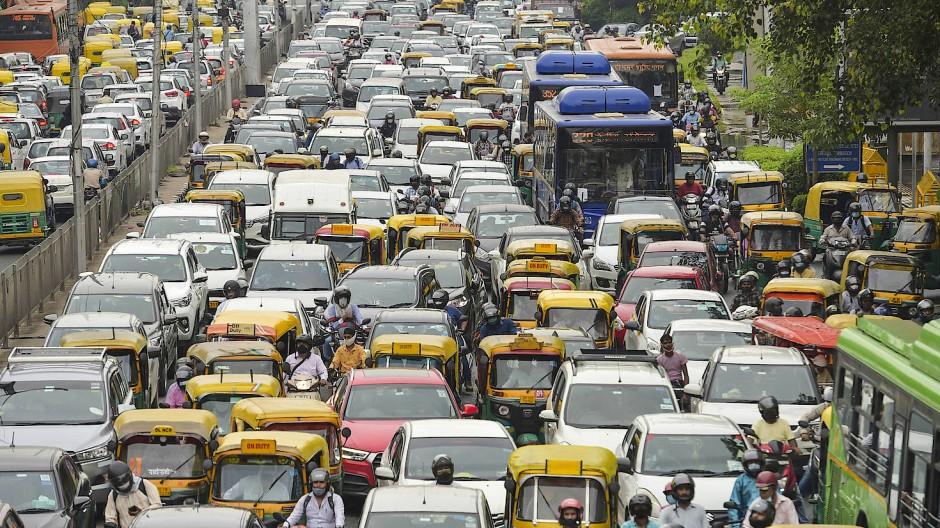 Auf indischen Straßen herrscht oft großer Lärm.
