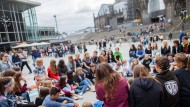 """""""Fridays for Future"""" in Köln: Die Teilnehmer wollen bis Freitag rund um die Uhr demonstrieren."""