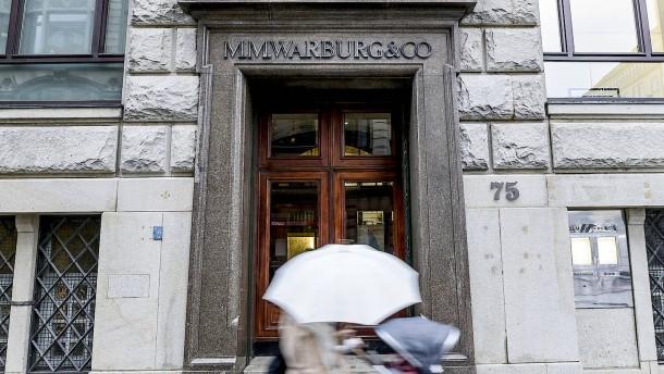 Warburg verlangt 166 Millionen