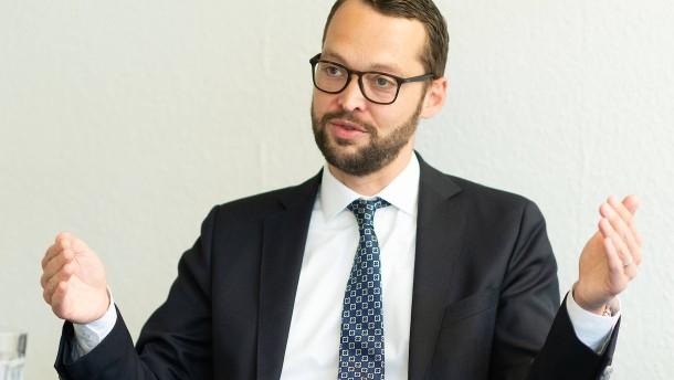Jan Schneider bleibt Frankfurter CDU-Chef