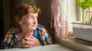 Immer mehr Mensch in Deutschland droht die Altersarmut.