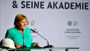 DFB legt Grundstein für Akademie-Bau