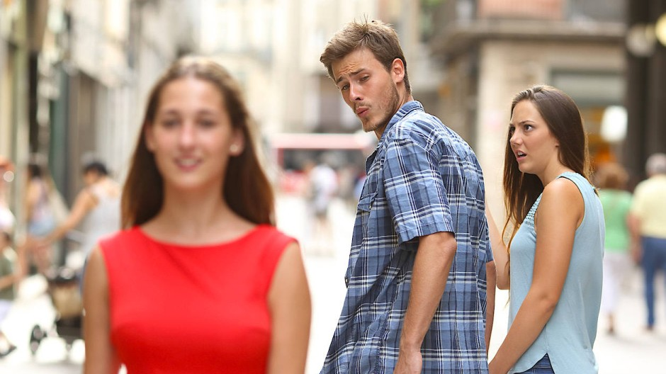 """""""Der abgelenkte Freund"""": Das beliebte Meme-Foto wird zum Spiegelbild einer ungebundenen Generation."""
