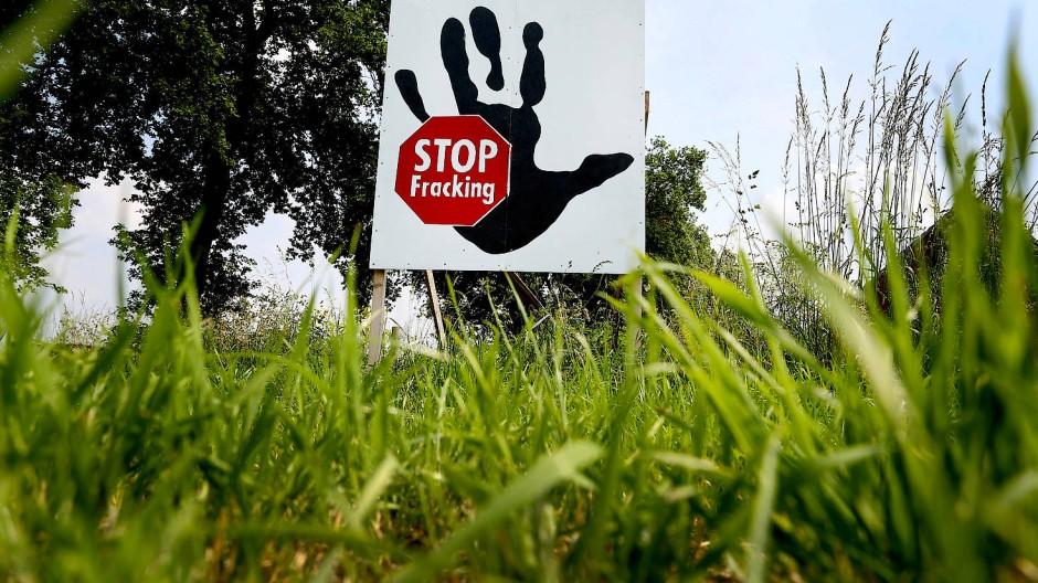 Regierung verfügt Fracking-Stopp in Großbritannien