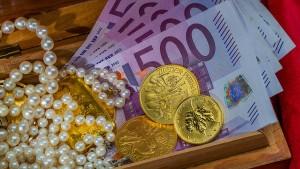 Wie Anleger sich jetzt gegen Inflation wappnen können