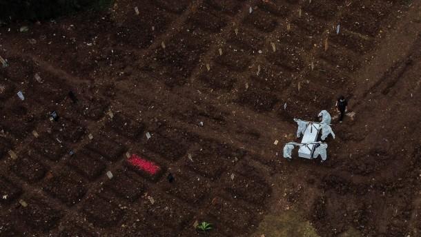 Immer mehr Corona-Tote in Indonesien