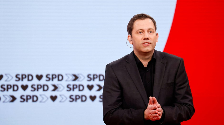 """""""Es braucht Olaf Scholz für Deutschland!"""": SPD-Generalsekretär Lars Klingbeil bei seiner Rede auf dem SPD-Parteitag am 9. Mai"""