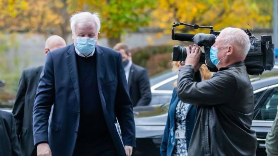 """Aussage von Ärztepräsident zu Masken sei """"unerklärlich"""""""
