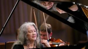 Der liebe Gott als Pianistin
