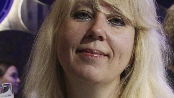 Russische Journalistin zündet sich an und stirbt