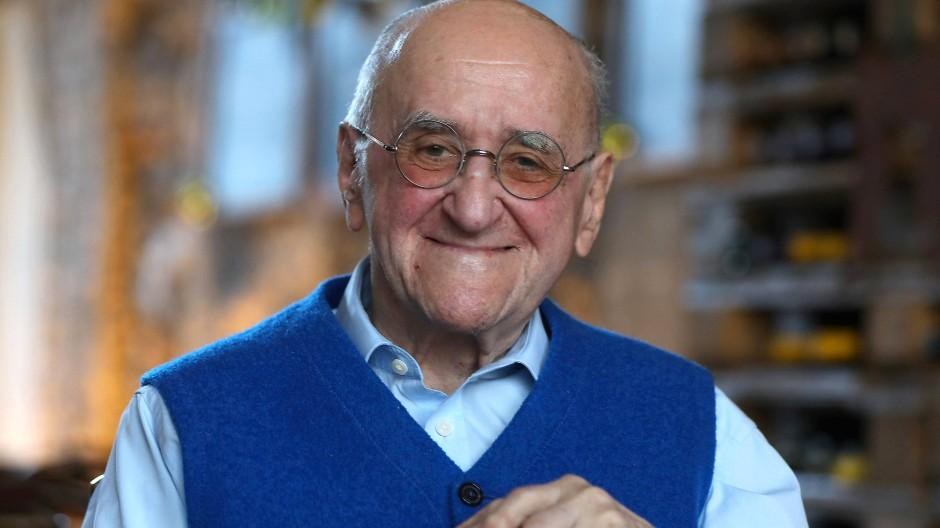 Alfred Biolek, früherer Fernsehmoderator und Talkmaster, ist in Köln im Alter von 87 Jahren gestorben.