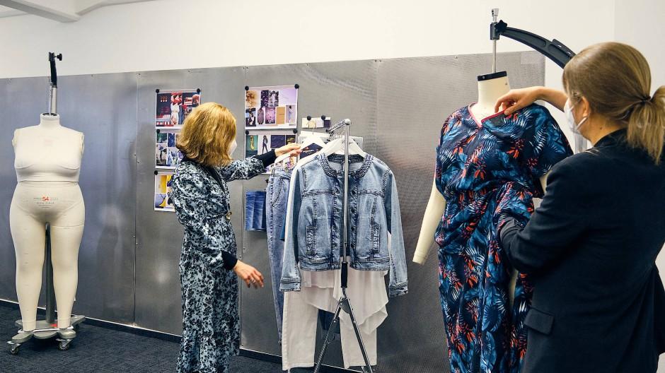 Mode für Mollige: Im Frankfurter Jadehaus präsentiert der Modeversand Sheego seine Kollektion.
