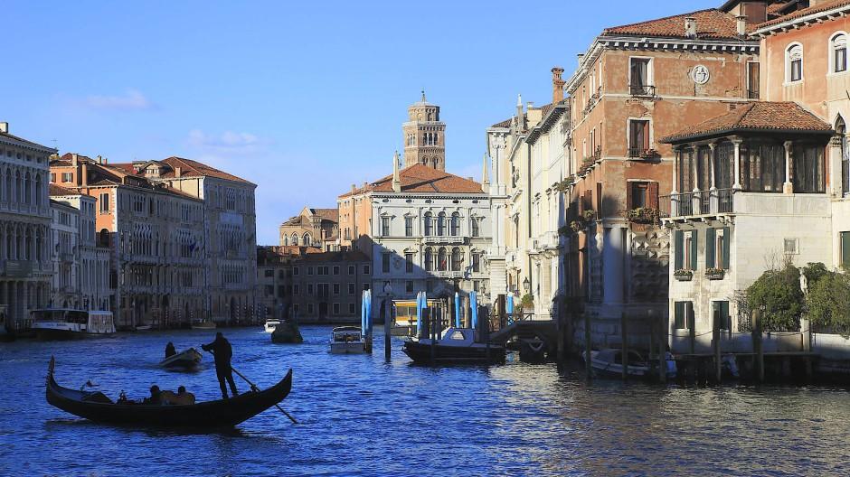 Gondel auf dem Canal Grande in Venedig