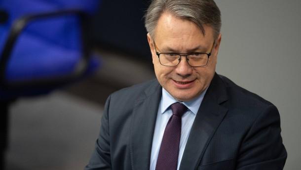 CDU-Löbel verlässt Politik, Nüsslein die CSU