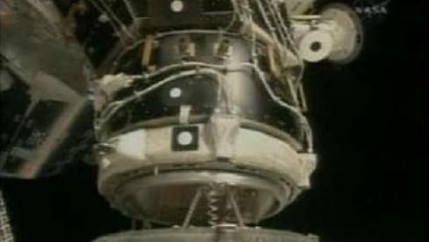"""""""Endeavour"""" dockt an ISS an"""