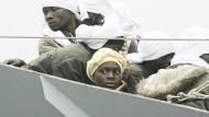 Italien lässt Flüchtlinge an Land