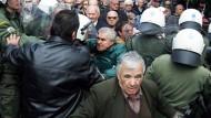 Rentner protestieren gegen Sparpläne