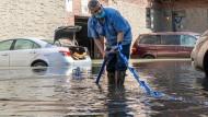 Hotspots des Klimawandels: Wie Leugner und Klimamuffel nach Altenahr und New York blicken
