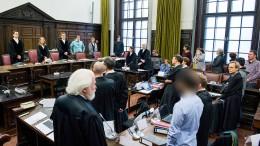 Vier Hessen vor Gericht