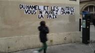 Schriftzug an einer Wand in Paris am 19. Januar gegen Olivier Duhamel, der seinen Stiefsohn jahrelang missbraucht haben soll.