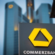 Die Commerzbank weitet den Strafzins auf ihre 100.000 mittelständischen Unternehmenskunden aus.