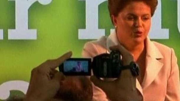 Dilma Rousseff zur ersten Präsidentin Brasiliens gewählt