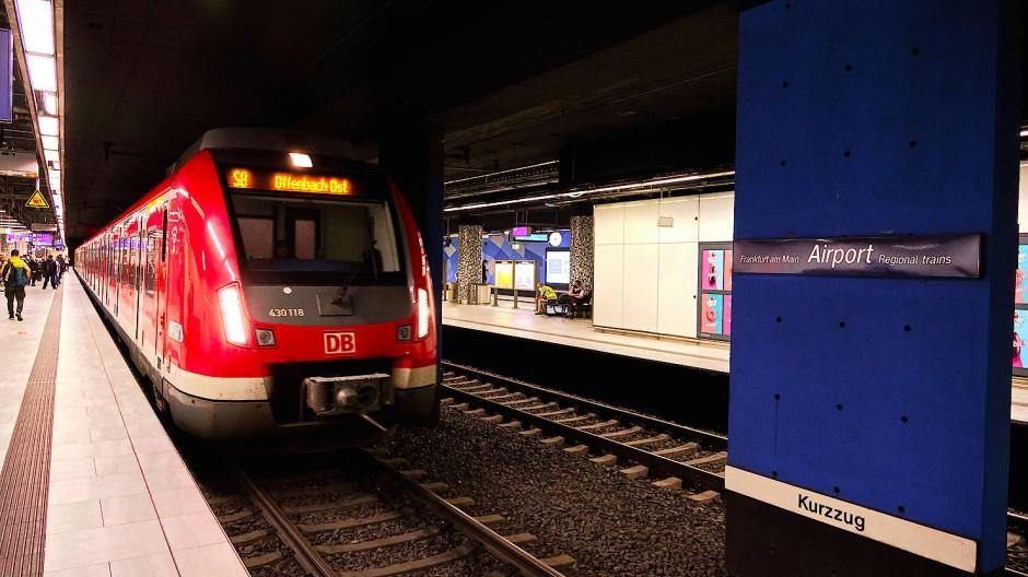 Mit der Bahn schnell zum Flughafen: Dafür soll in Zukunft die Regionaltangente West sorgen.