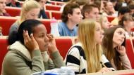 Google als Studienberater: Viele junge Menschen suchen Antworten erstmal im Netz.