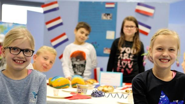 Niederlande werben mit Prämien um Deutschlehrer