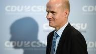 Blick mit Genugtuung: Ralph Brinkhaus beerbt Volker Kauder an der Fraktionsspitze von CDU/CSU.
