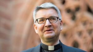 Mainzer Bischof überprüft Missbrauchsfälle neu