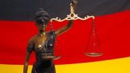 Angeklagt: Ein Mann aus Frankfurt soll mehrere Kinder auf den Philippinen missbraucht haben.