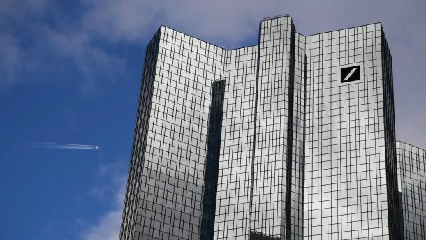 Gericht kippt Entlastung der Führung der Deutschen Bank
