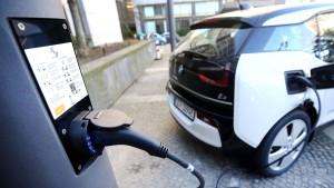 Mehr Geld für Elektroauto-Käufer