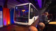 Schauobjekt Eswe Verkehr und Mercedes-Benz präsentieren den Wiesbadener E-Bus.