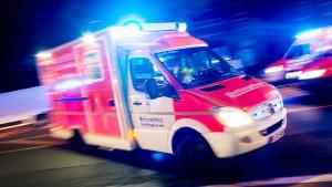 Kleinkind stürzt in Frankfurt aus viertem Stock