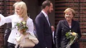 Haakon und Mette-Marit an der Ostseeküste