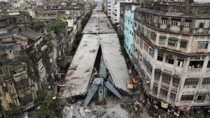 Zahl der Toten steigt nach Brückeneinsturz
