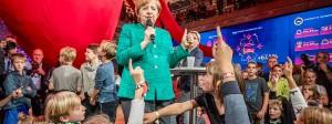 Wer meldet sich freiwillig zur Nachfolge von Angela Merkel?