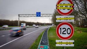 Niederlande fangen mit Tempo 100 auf Autobahnen an